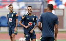 Ronaldo defiende a Neymar