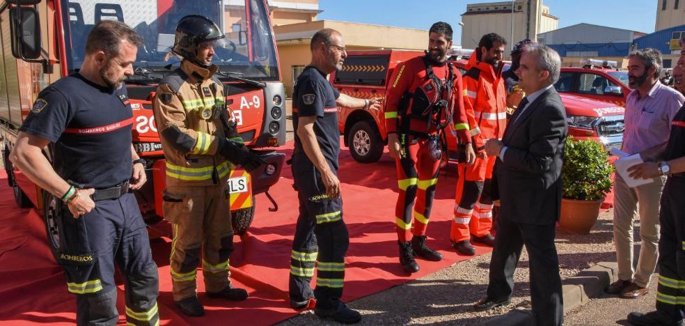 Los Bomberos de Badajoz incorporan un vehículo estrecho para actuar en el Casco Antiguo