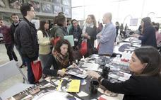 La Feria de Emprendimiento de Cabeza del Buey congrega a un centenar de personas