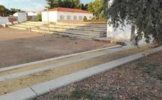 Prevén invertir 356.000 euros de los Aepsa en el graderío del Ramón y Cajal y en otras vías de Almendralejo