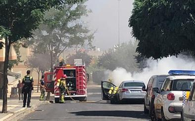 Arde un coche en Cáceres