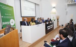 Los hombres siguen ocupando el despacho del jefe en Extremadura
