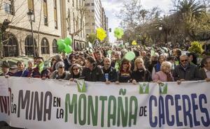 Navarro dice que el proyecto de mina se tramita «con normalidad»