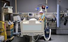 Los enfermeros denuncian el cierre de 14.000 camas en verano