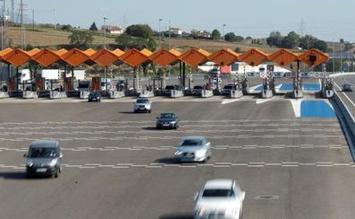 Fomento ve «imposible» relicitar las autopistas en quiebra antes de 2019