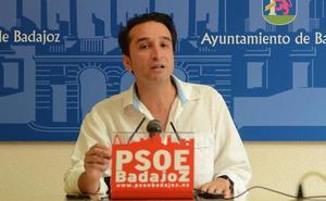 El PSOE de Badajoz critica que «cinco años después» el Plan Estratégico de la ciudad «duerme en un cajón»