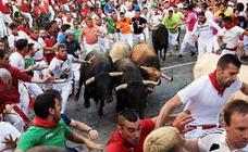Quinto encierro peligroso con los toros de Núñez del Cuvillo