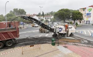 Las máquinas de asfaltar toman las calles