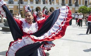 Las calles del centro se llenarán de color con el festival de folclore en Badajoz