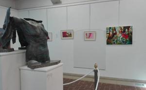 Exponen obras de artistas locales en Almendralejo