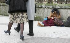 La Junta resalta la evolución «favorable» de los datos de pobreza mientras que el PP considera que son «inaceptables»