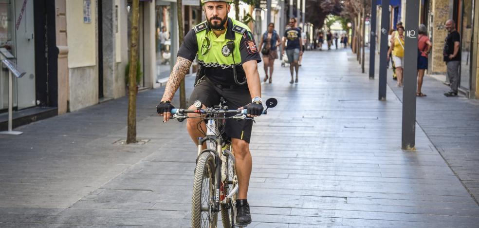Los agentes de Badajoz llevan un año más cerca