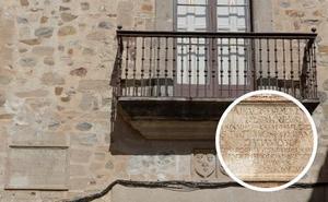 Los dueños de los Golfines de Arriba no irán a los tribunales si quitan la placa de Franco