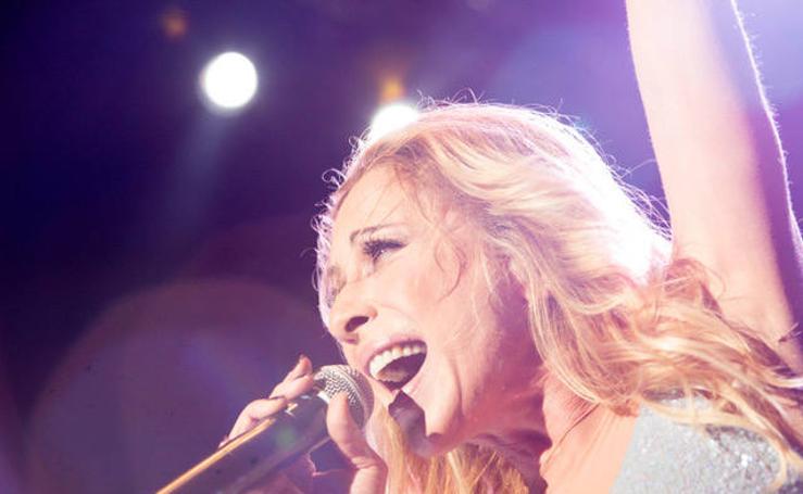 El pop español de los 80 y los 90 pone a bailar a miles de personas en Montijo