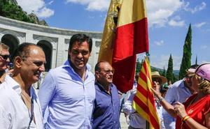 Protesta en el Valle de los Caídos contra la exhumación de Franco