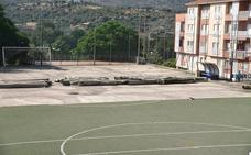 Comienza la reforma del campo de fútbol de Los Pitufos