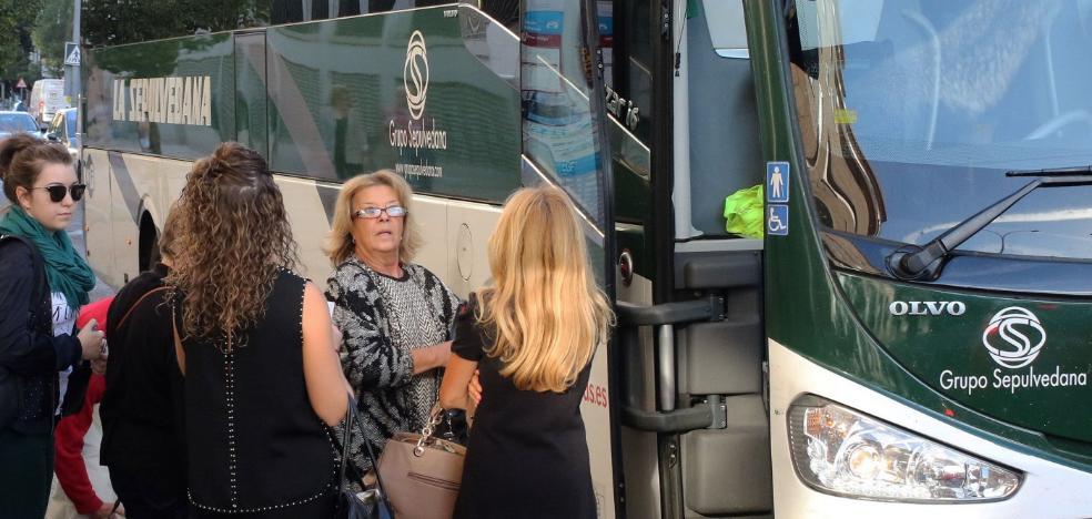 La Junta destinará 2,4 millones al año al déficit de las rutas de autobuses