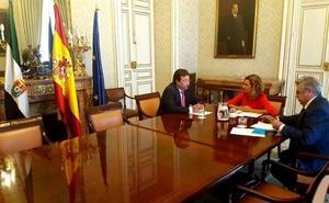 Vara insiste a Meritxell Batet en la necesidad de reforzar la circulación de los funcionarios