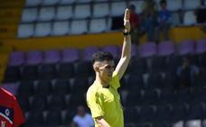Jayro Muñoz se estrena en Tercera como mejor árbitro de la temporada