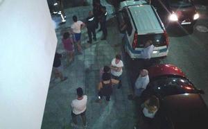 Desalojan un bloque de viviendas en Navalmoral por un escape de gas