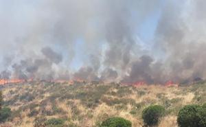 Controlado un incendio en Los Blázquez, en el límite con la provincia de Badajoz