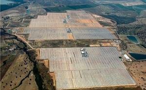 La japonesa Itochu, promotora de la planta de Logrosán, reclama daños a España por el recorte a las renovables