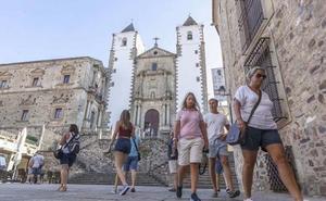 Extremadura propone ampliar la normativa sobre apartamentos turísticos al resto de España