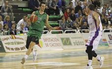 Dani Martínez renueva y jugará otro año en el Cáceres