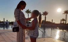 Paula Echevarría comienza sus vacaciones junto a su hija
