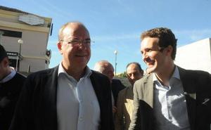 Monago se decanta por Casado para liderar el PP