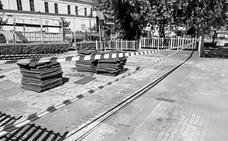El Consistorio de Jaraíz remodela los parques infantiles del municipio