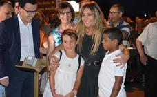 Amaia 'ilumina' las fiestas de 'Santiaguito'