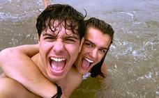 Alfred y Amaia desconectan juntos en el mar