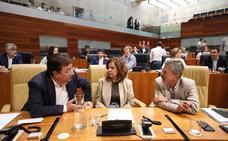 Vara avanza que los comercios de Cáceres y Badajoz podrán abrir el domingo 7 de octubre