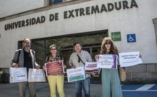 Profesores de la UEx denuncian que Periodismo no incluye Sociología