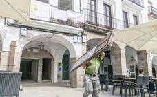 Cáceres firma un convenio para ayudas al autoempleo en personas con riesgo de exclusión