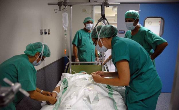 UGT ve necesario aumentar la plantilla del SES en 200 empleados para implantar las 35 horas semanales