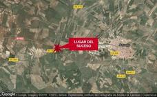 Herida grave una mujer de 60 años tras el choque de un camión y un coche en Azuaga
