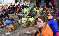 Localizan a cinco de los 29 excursionistas españoles atrapados en Indonesia tras el terremoto