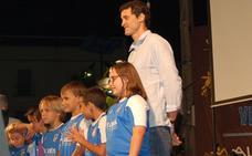 La Gala del Deporte de alburquerque contó con el pivote extremeño Álex Garza