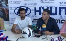 Renella y Balbi, presentados como nuevos jugadores del Extremadura