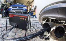 La demanda de vehículos diésel por particulares se desploma un 31% en julio y solo supone una quinto del mercado