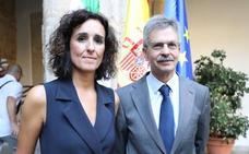Olga García sustituye a Navarro al frente de la Consejería de Economía