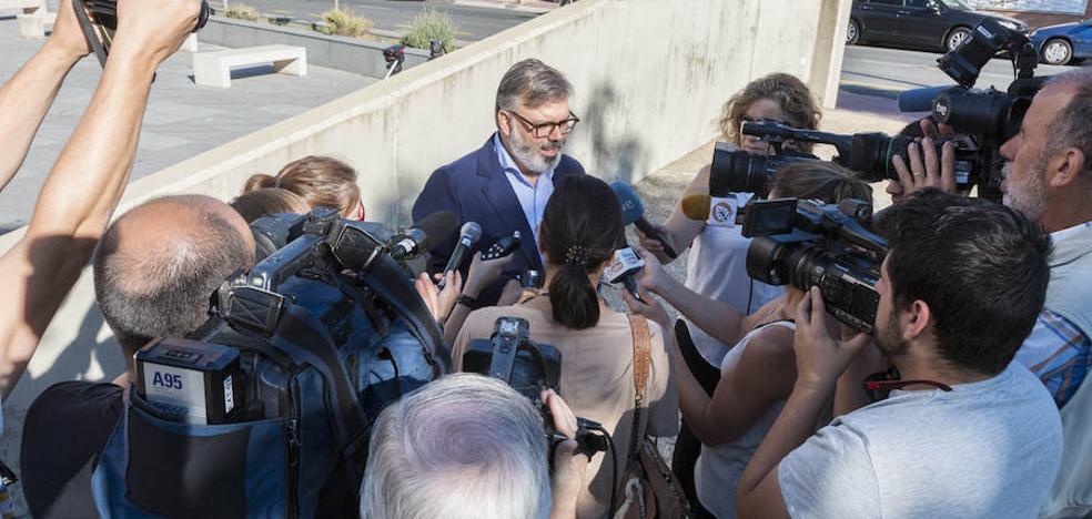 Fernando Pizarro: «Llevo ocho años actuando contra las casas ilegales»