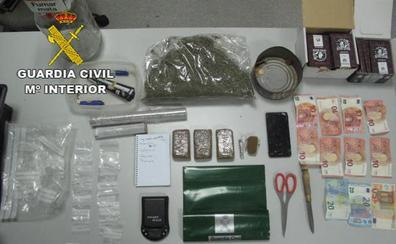 Tres detenidos en Moraleja por el robo y receptación de un ordenador y un televisor