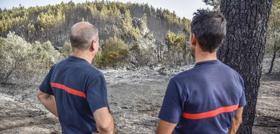 Investigan si una barbacoa ilegal originó el incendio de San Vicente de Alcántara