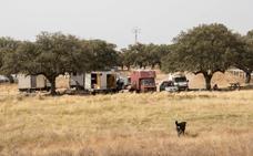 Veinte camiones acamparon en la presa en Plasencia