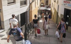 El Ayuntamiento de Cáceres se ahorra el mantenimiento de las escaleras mecánicas durante 6 años