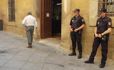 El Ayuntamiento de Plasencia aparta de sus funciones al agente implicado en la 'Operación Enredadera'