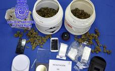 Detienen a un joven envasando más de 600 gramos de marihuana en Almendralejo